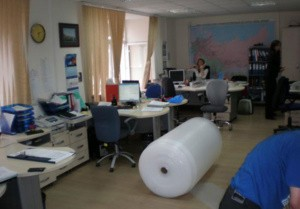 Упаковка офисной мебели